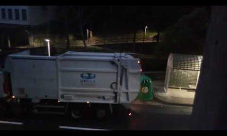 Pillan camión mezclando residuos que reciclan los ciudadanos (video)