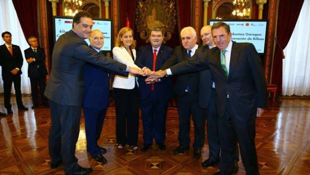 Foto con los responsables del acuerdo llegado para la creación de este Centro de Innovación / Fuente: Agencias