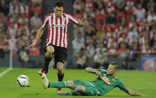 El jugador Óscar De Marcos durante un partido con el Athletic en esta temporada / Agencias