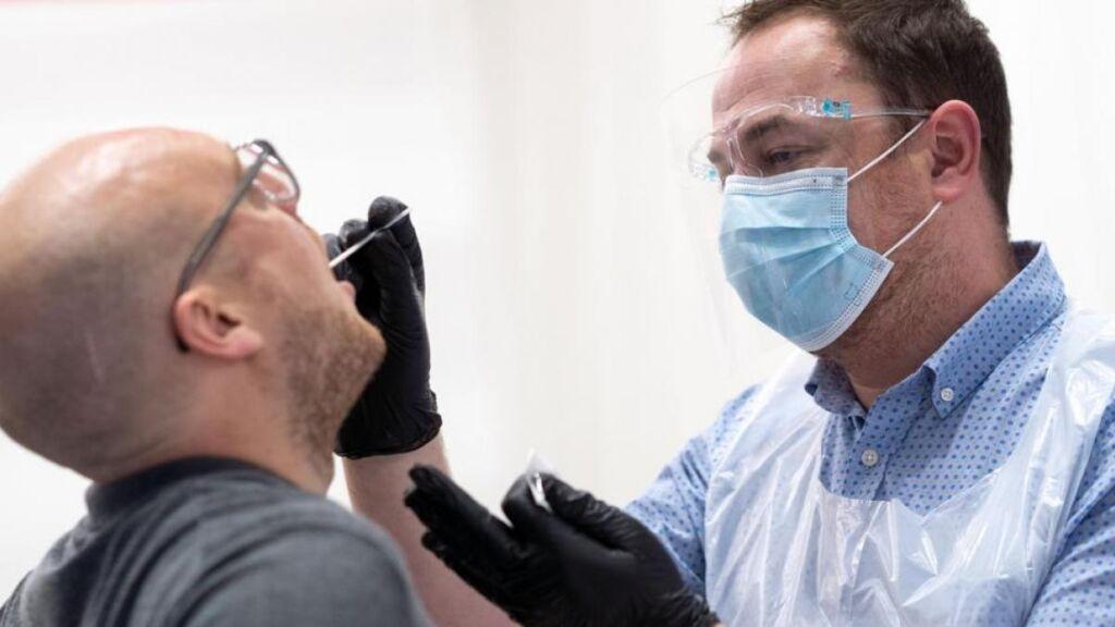 pruebas de saliva